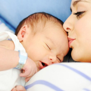 Benefits of Breastfeeding for Baby & Mother