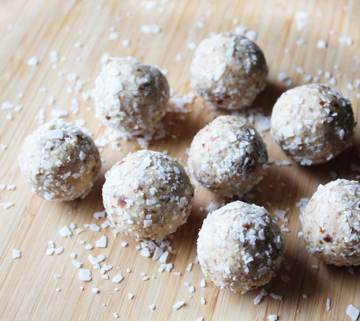 Cashew Coconut Collagen Bites